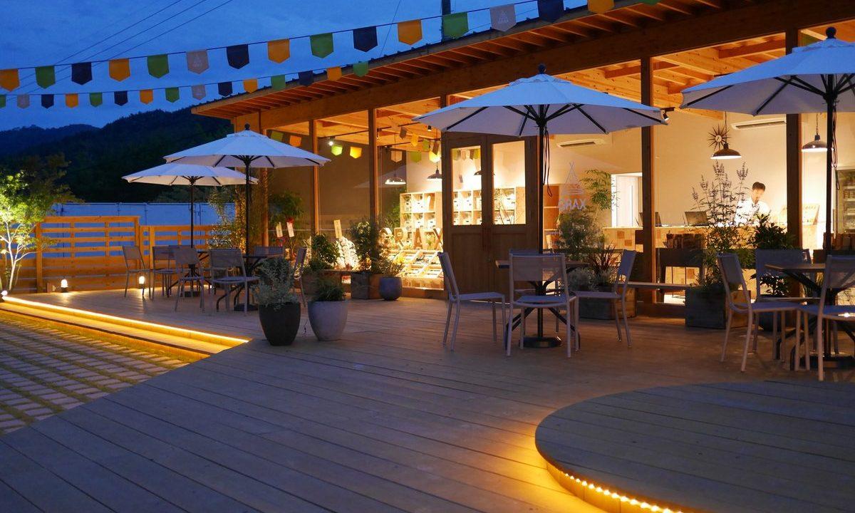 2016年オープンしたばかりの、京都南丹市のるり渓温泉にあるキャンプ場「GRAX(グラックス)grax premium camp  resort」に家族で泊まりにいってきた感想をブログに書き